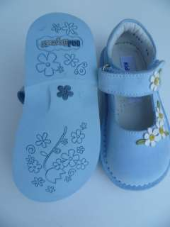 KID EXPRESS TODDLER FLAT SHOES SIZE 7 7.5 BABY BLUE